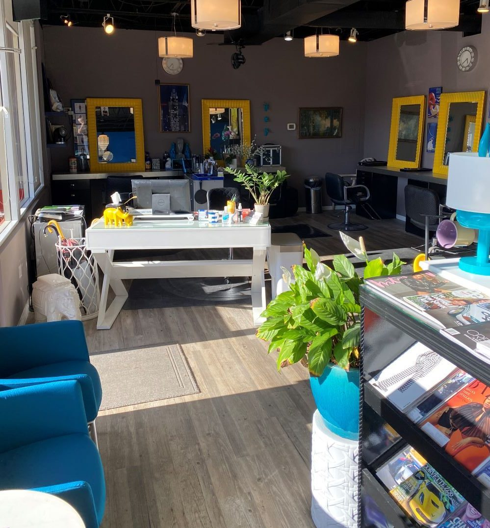 The waiting area of the D-Tangle Salon, where expert Denver hairdresser, Ken Nissen, works.